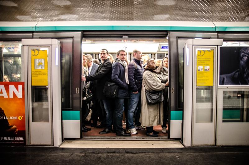 Metro tłum