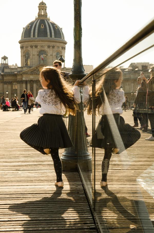 taniec na ulicy Paryż